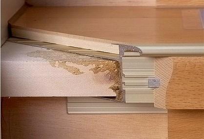 treppen mit parkett werten wohnr ume auf treppenprofil stabil. Black Bedroom Furniture Sets. Home Design Ideas