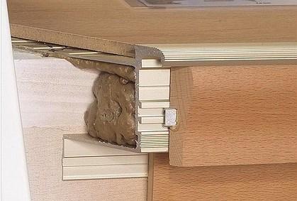 treppenstufen mit laminat belegen mit dem treppenprofil stabil. Black Bedroom Furniture Sets. Home Design Ideas